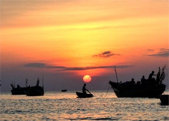 Phân tích Đoàn Thuyền Đánh Cá Của Huy Cận cực hay